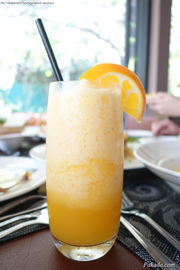 น้ำส้มปั่น 75 บาท