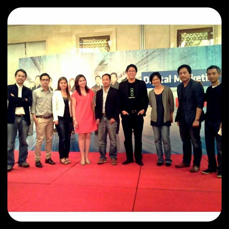 พูดบรรยายงาน Digital Marketing Summit 2013