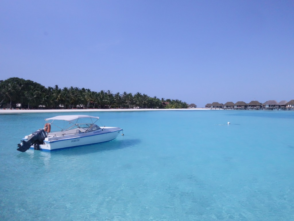 น้ำทะเลสวย ๆ ณ มุมหนึ่งของ Clubmed Kani Muldives